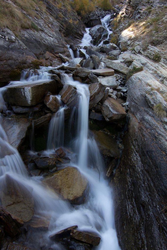 Vandfald i bjergene